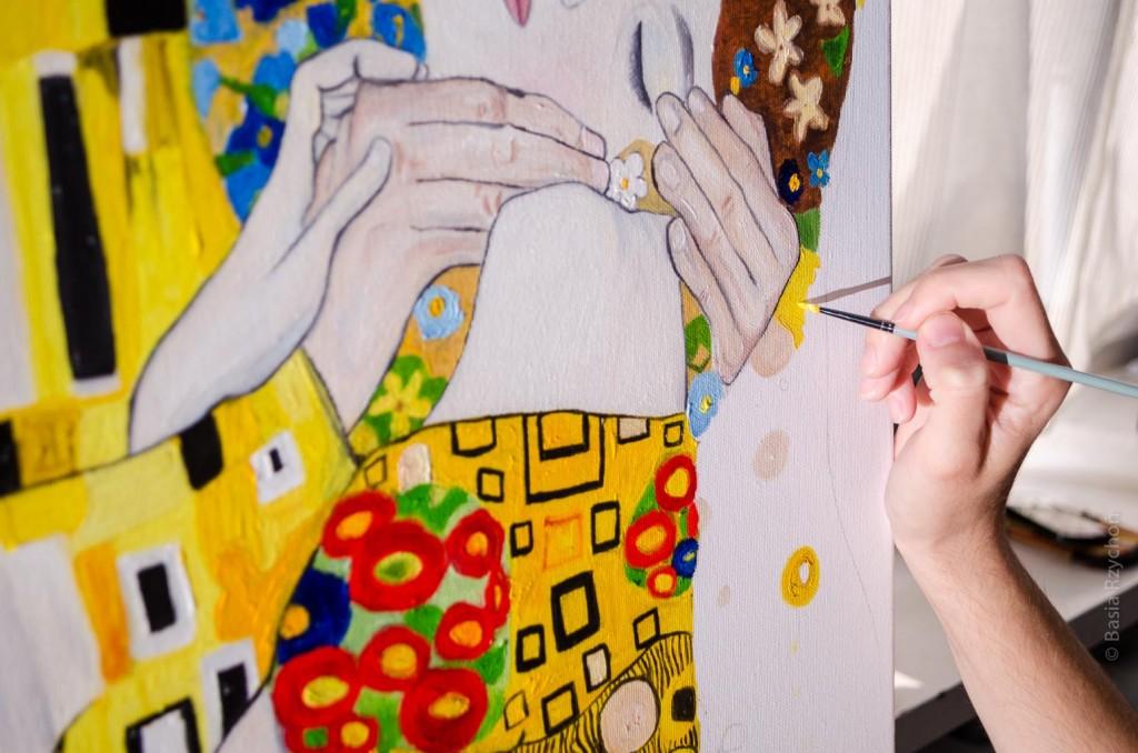 """Mój """"Pocałunek Klimta"""" -obraz z dużą ilością geometrycznych szczegółów."""